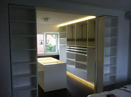 begehbarer kleiderschrank jugendzimmer begehbarer kleiderschrank innenschranksystem relax ideen für