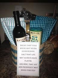 appropriate engagement party gifts 19 best engagement party gifts images on engagement