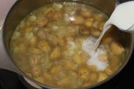 cuisiner les chataignes fraiches la cuisine de bernard velouté de châtaignes