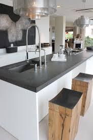 plan de travail en granit noir réaliser par marbrerie