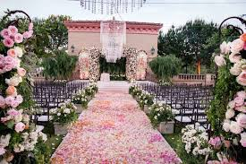 wedding flowers san diego alfresco wedding ceremony lush reception in san diego