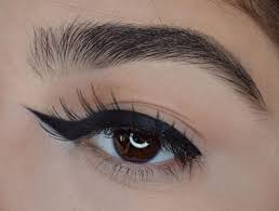 Eye Liner winged eyeliner is here to confuse your makeup routine