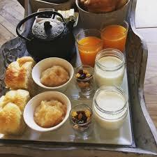 chambre et petit dejeuner petits déjeuners chambres d hôtes à chartres maison ailleurs