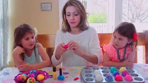 Easter Egg Decorating Polish by How To Marble Easter Eggs With Nail Polish Youtube
