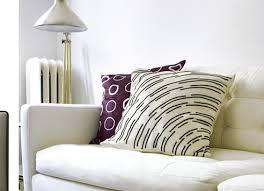 faire l amour sur un canapé les coussins en tissu wax sous différents coloris