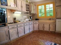 repeindre meuble cuisine meuble cuisine en chene une cuisine intacgrace relookace par une