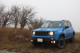 subaru crosstrek offroad 2016 jeep renegade vs 2016 subaru crosstrek autoguide com news