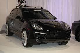 porsche cayenne all black black porsche cayenne sema 2011 drivingscene