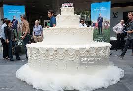 giant wedding cakes fox s