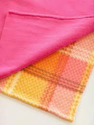 diy gifts make a fleece blanket