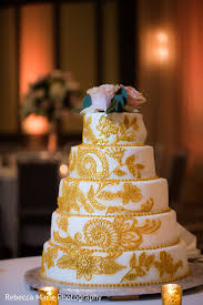 Perfect Indian Wedding Cake In Oak Brook Il Indian Wedding By