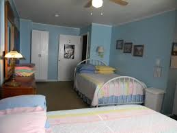 multiple beds in one room woodsy bedroom iceland my two full small