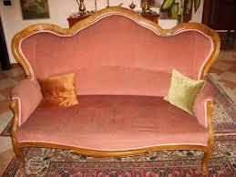 divanetti antichi divani antichi 800 stunning divano antico in mogano dellu with