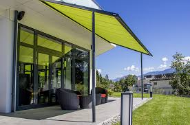 Wind Out Awning 6 Fashionable Outdoor Spaces That Beat The Heat