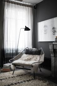 the best wall color with wooden furniture to wake up your interior