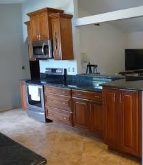 what wall color goes with medium cherry cabinets and toffee