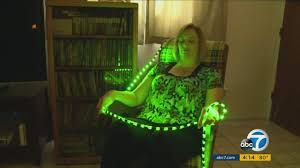 doctors find new ways to treat migraine with green led lights