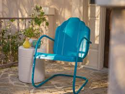 Metal Retro Patio Furniture by How To Paint An Outdoor Metal Chair How Tos Diy