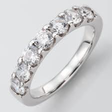 alliance en diamant atria élégante alliance diamants demi tour ornée de diamants