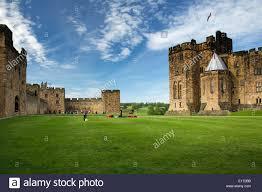 alnwick castle harry stock photos u0026 alnwick castle harry stock