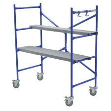 werner 4 ft x 3 8 ft x 2 ft portable rolling scaffold 500 lb