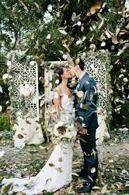 beautiful shabby chic rustic backyard wedding ideas