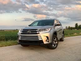 nissan pathfinder vs toyota highlander 2017 toyota highlander review 5 things buyers need to know