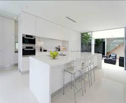 küche im wohnzimmer moderne küchen trend design stil und einrichtung