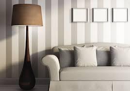 Wohnzimmer Ideen Wandgestaltung Grau Grau Wei Mit Schrgen Streifen Wand Angenehm On Moderne Deko Idee