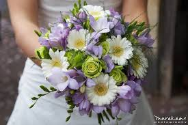 wedding flowers on a budget wedding flowers on a budget