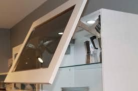 hängeschrank küche glas nobilia glas einlegeboden aus einscheiben sicherheitsglas esg
