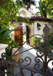 Spanish Home Design by Best 25 Spanish Homes Ideas On Pinterest Spanish Style Homes