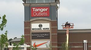 tanger outlets will open thanksgiving stay open more than 24 hours