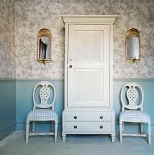 chambre style gustavien armoire de chambre de style gustavien gus 133 chelsea textiles