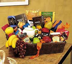 gift baskets nyc fruit baskets delivered in nyc gourmet basket delivery in new