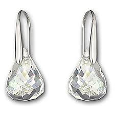 jlo earrings carpet jeweler rocks out in swarovski