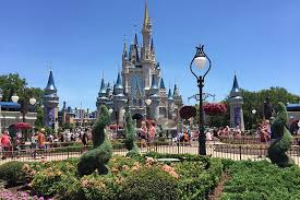 disney vacations how to save on your next trip reader s digest
