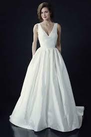 plain wedding dresses best 25 minimalist wedding dresses ideas on plain