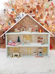 darling diy dollhouse click through for details kid friendly