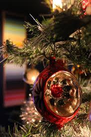 vintage christmas tree decorating grandma kooiman u0027s vintage christmas tree interiorator