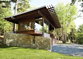 frank lloyd wright inspired home with lush landscaping articles about frank lloyd wright inspired style and cing collide