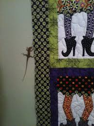 lizards bats and halloween quilts oh my stitches of love