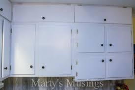 How To Paint The Hinges Or Hardware On Your Cabinets Or Furniture How To Paint Cabinet Hinges Oropendolaperu Org