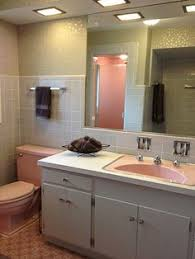 Retro Bathroom Ideas by Bradbury Atomic Age Wallpaper Makes These Two 1950s Pink Bathrooms