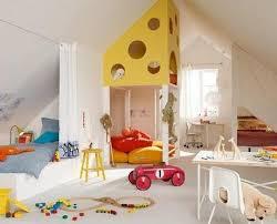 chambre fille sous comble deco chambre adulte sous comble idées décoration intérieure