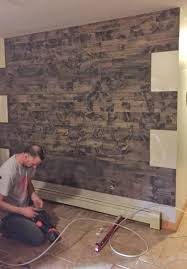 how to a reclaimed wood wall