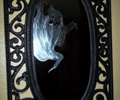 background halloween repeating ghosts 5 minute ghost in a mirror 4 steps with pictures