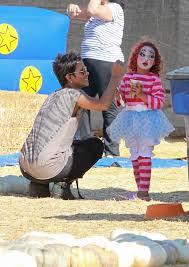 celebrity kids in halloween costumes liev schreiber naomi 9