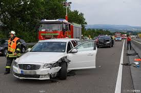 Polizei Bad Schwalbach Unfall Mit Drei Fahrzeugen Und Einem Leichtverletzten