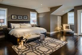comment disposer les meubles dans une chambre comment bien aménager et décorer une grande chambre à coucher